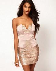 Золотое платье без бретелек